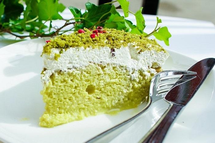 Cos'è la Space Cake: ricetta per farla in casa ed effetti